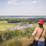 Tak odsud vídíme celý festival